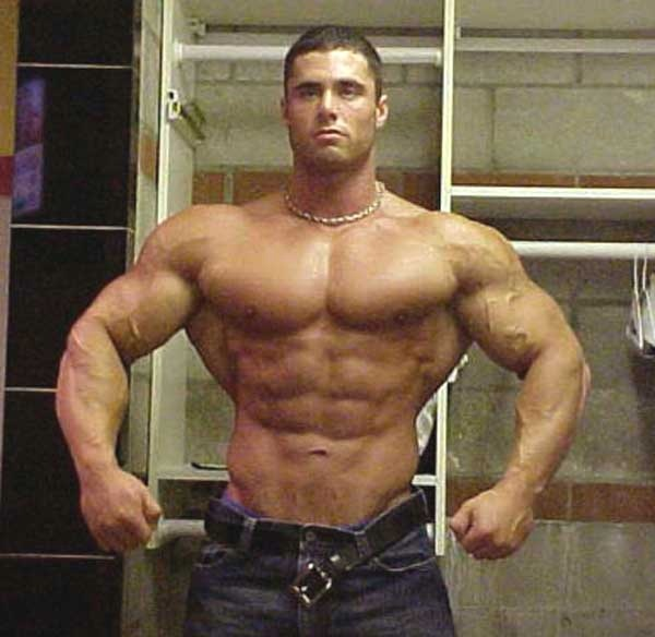 well defined muscles more attractive than big muscles